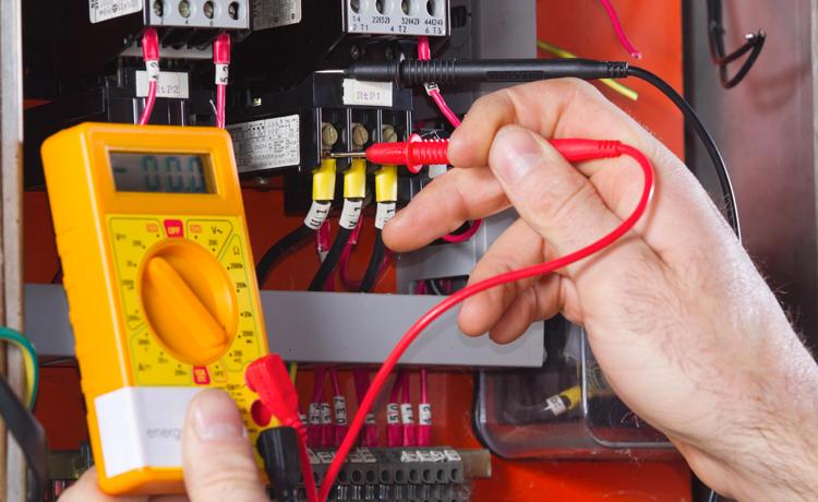 Electricité, contrôle de tension